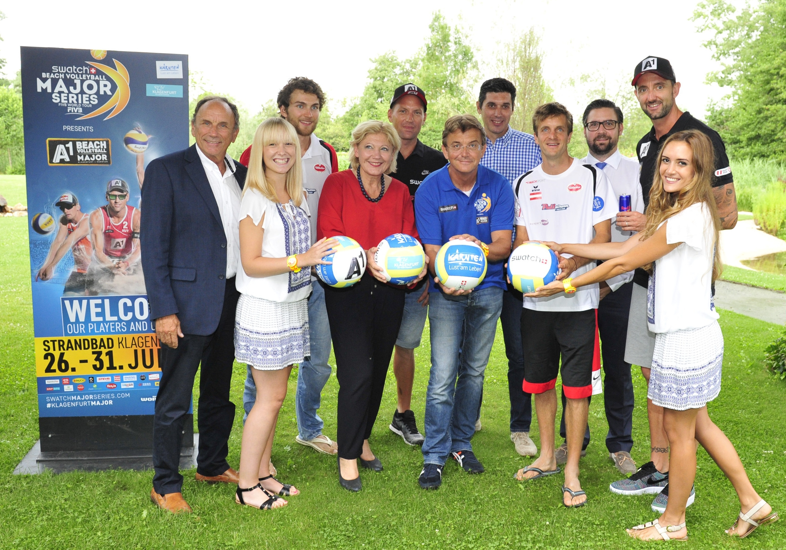 Left to right:  Mag. Otto Umlauft (Member of the City Council, ÖVP, Departments: City Planning, Economics, Tourism), Robin Seidl, Maria Luise Mathiaschitz (Major Klagenfurt), Alexander Horst, Hannes Jagerhofer (Founder Swatch Beach Volleyball Major Series),  Mag. Stefan Potyka (Vice President Beach Volleyball of the Austrian Volleyball Federation (ÖVV)), Alexander Huber, Dr. Hannes Florianz (Tournament Doctor, Humanomed), Clemens Doppler