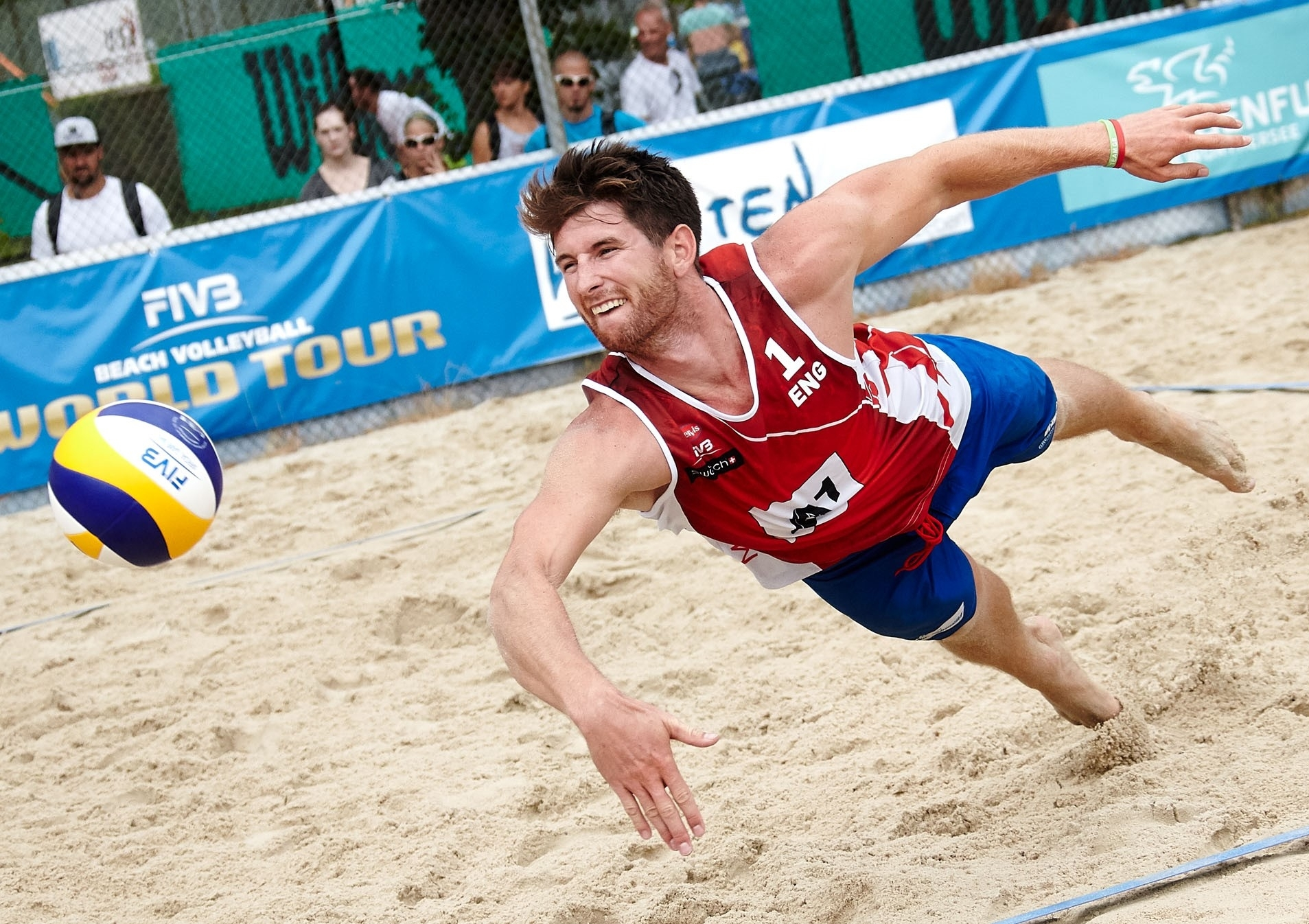 Jake Sheaf keeps the ball alive at the A1 Major Klagenfurt Major. Photocredit: Mike Ranz.