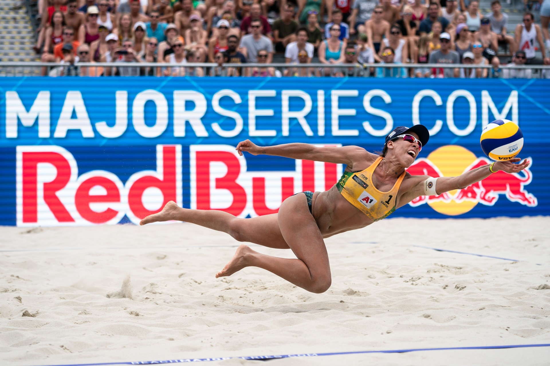Taiana Lima and partner Talita Antunes defeated teams from Austria and the United States